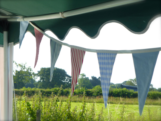 Bunting small