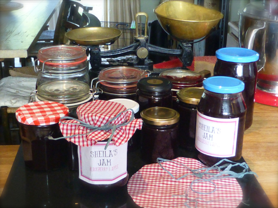 Jam making small