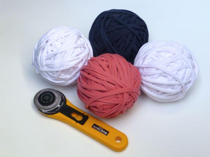 T-shirt yarn balls