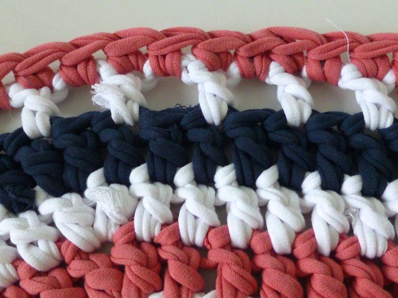 T-shirt yarn rug border