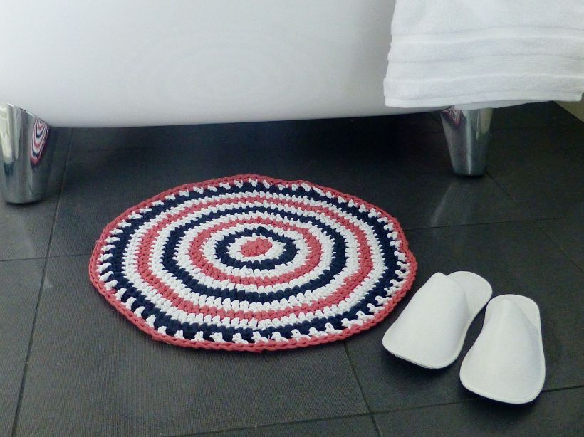 T-shirt yarn rug2