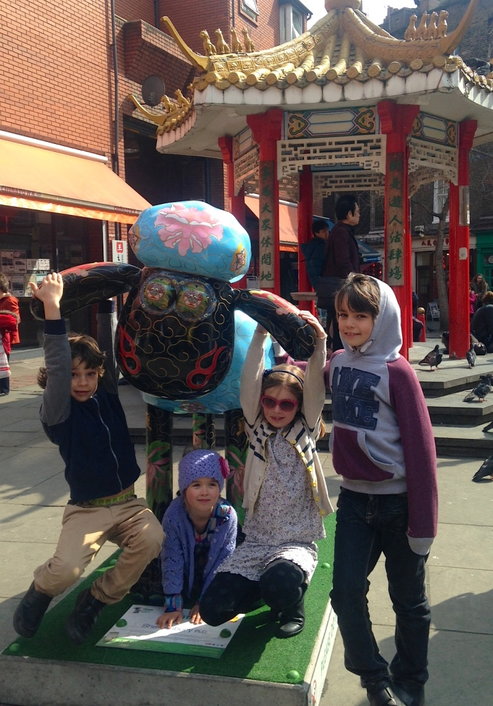 Shaun the sheep in Chinatown