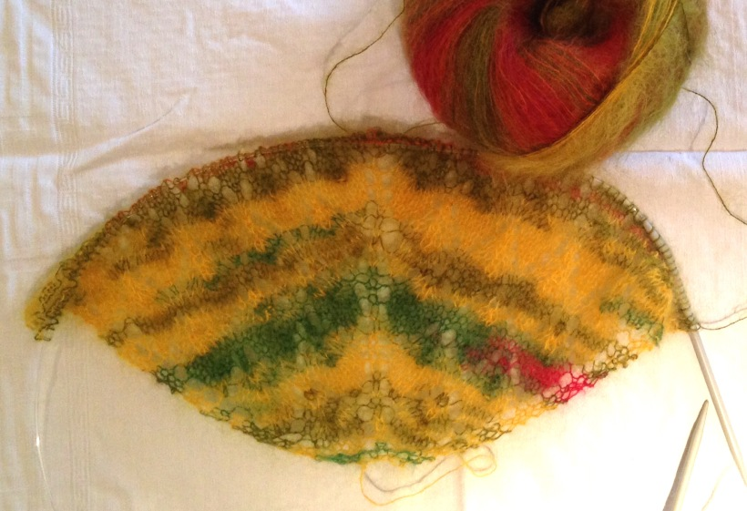 Lace leaf shawl KAL WIP