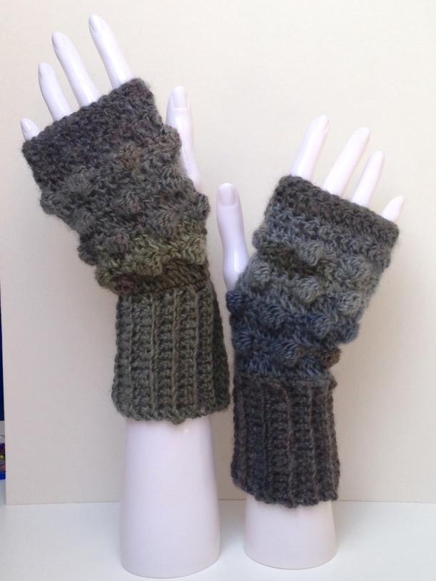 Bobble gloves