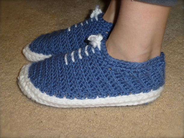 Blue vans crocheted slippers1