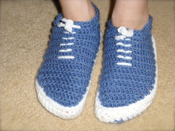 Blue vans crocheted slippers3