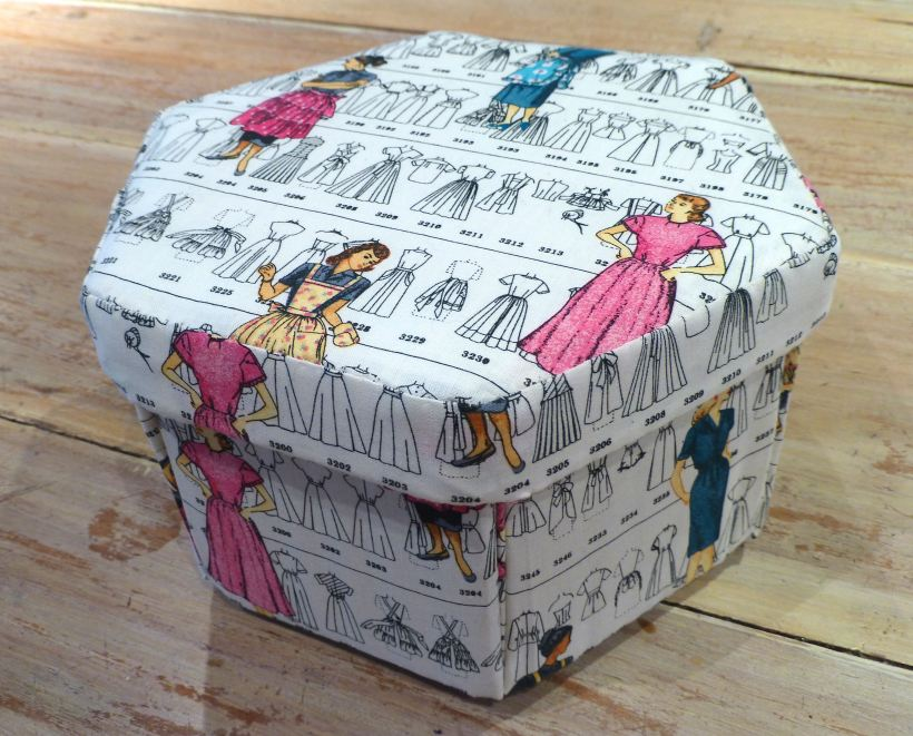Cartonnage sewing box 3